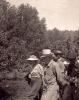 туристы в саду, Яйлю,1955 г.